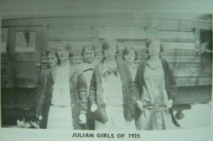 Julian Bus Students, 1925