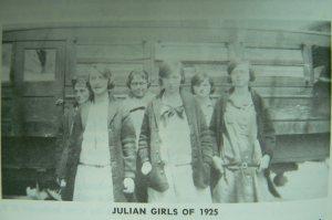 Julian Bus Students, 1925
