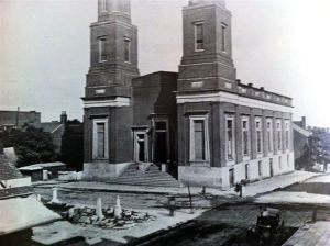 First Presbyterian Church at the corner of 5th and Church Sts. in Nashville was one of 3 buildings of Hospital No. 8.  It had 206 beds.