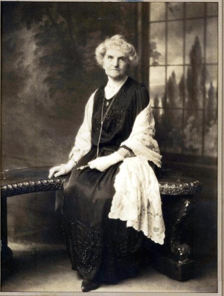 Elvira Worth Moffitt