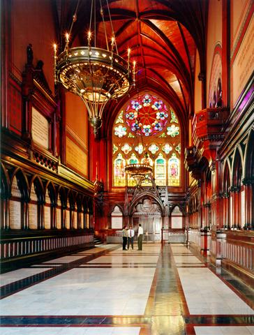 harvard-memorial-hall-transept